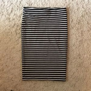 H&M black and white bodycon skirt